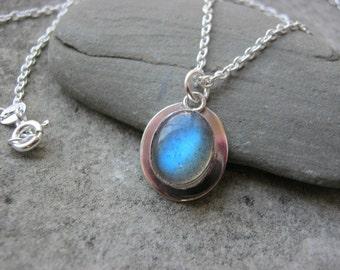 Mystical........Sterling Silver Labradorite Gemstone Necklace