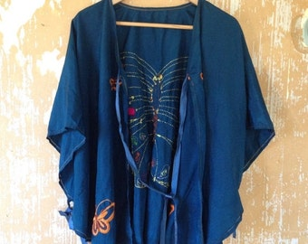 ON SALE vintage. 70s 40s Inspired Silk Boho Blue Cape Blouse // Free Size