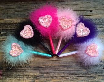 Clueless Sequin Heart Feather Pen - Marabou Feathers - 6 Colors to Choose From - Refillable Ink - Guest Book Pen - Valentine's Day
