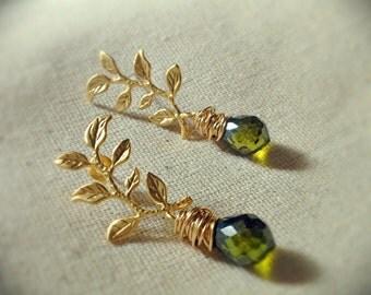 Leafy Vine Studs in Gold, Grecian Style Earrings, Bridesmaid Earrings, Swarovski Pearl Drop Earrings, Gold Branch Earrings, Wire Wrapped