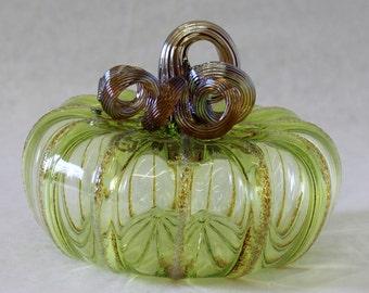 Hand Blown Glass Art Sculpture Pumpkin Oneil 6897 LIME