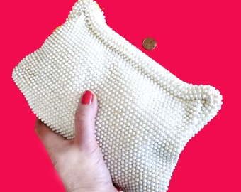 1950s White Beaded on Beige Weave Snap Clutch Purse - Summer Clutch Bag - White Beaded Purse - Crochet and Bead White Bag
