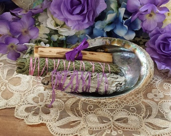 Abalone shell & Smudging Set, Palo Santo Wood, White Sage, Cedar and Lavender Smudging