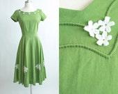 Vintage 50s dress | 1950s Cotton Dress | Toni Todd Original Green Cotton Applique Full Skirt Dress