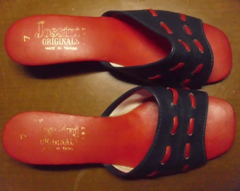 Vintage 1960's/1970's  Navy & Red Sandals  Size 7