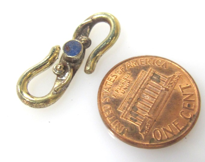 1 clasp - Tibetan Brass S hook clasp from Nepal with lapis inlay - LN020