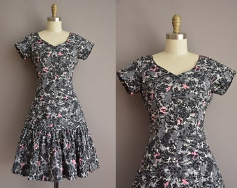 50s novelty cotton print mermaid skirt vintage dress / vintage 1950s dress