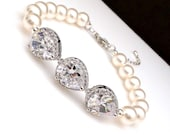 Wedding jewelry bridal bracelet bridesmaid gift Clear white halo teardrop cubic zirconia with swarovski 8mm white cream round pearl bracelet