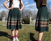 40s or 50s pleated folk skirt - embroidered accents - dark green hi-rise midi skirt