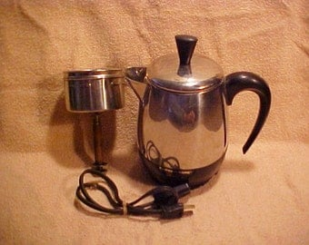 Farberware Model 134-MV Superfast 4 Cup Electric Percolator Coffee Pot - USA