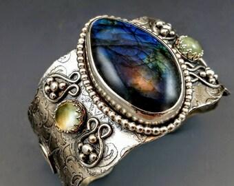 Unique Handmade Silver Jewelry , Silver Cuff Bracelet, Bohemian Jewelry, Metalwork, Labradorite,  Silver jewelry, BOHO Jewelry,Citrine