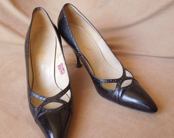 MOVING SALE Vintage Stiletto High Heel Pumps, Black Leather, Size 5 to 5.5