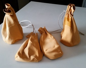 Small Bag of Holding - leather dice pouch