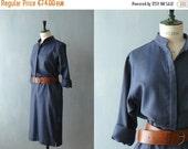 40% OFF SALE // Vintage wool dress. 70s shirtwaist dress. Pencil skirt midi dress
