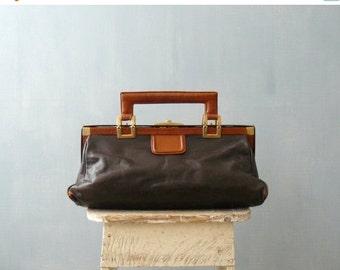 CLOSING SHOP 50% SALE / Vintage 1960s leather purse. 60s handbag. dark brown leather oversized purse