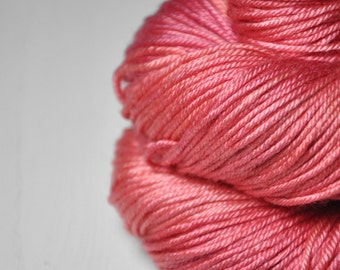 Artificial rose coral - Silk/Merino DK Yarn superwash