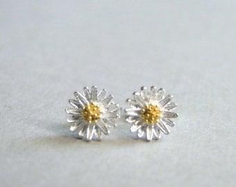 Earrings / Daisy Studs / Daisy Earrings / Sterling Silver Daisy Studs / Gift for Her / Accessories / Daisy Earrings / Birthday Gift