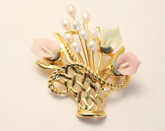 Vintage flower basket brooch. Pearl brooch