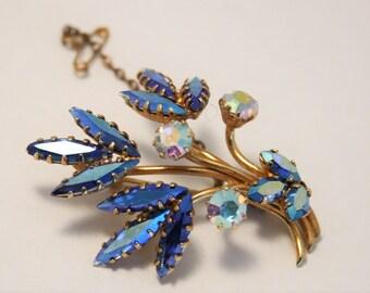 Vintage blue crystal brooch.  Rhinestone brooch