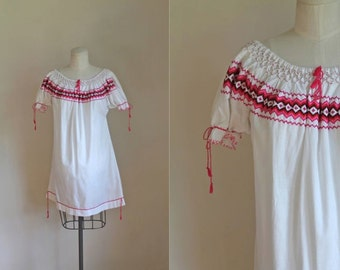 vintage mexican dress - CROSS STITCHE boho dress / S-M