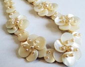 Vintage Mother of Pearl Choker... c.1950s Wedding Flowers Collar