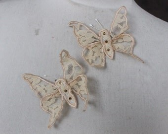 Cute    butterfly  applique  ivory  color 2  pieces listing