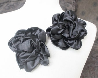 Cute black  color  flowers  2  piece listing