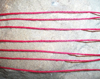 7 Red String Bracelets, Simplicity