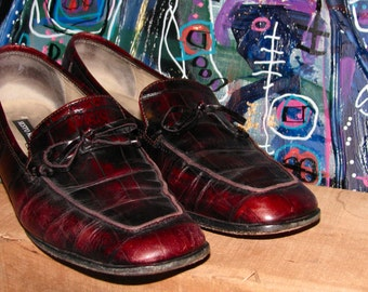 Vintage 1980s Oxblood Maroon LEATHER Embossed Square Toe LOAFER Women's Shoes Secretary Sesto Meucci