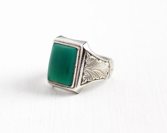 Vintage Art Deco Silver Green Chalcedony Ring - 1930s Size 9 1/2 Dark Green Rectangular Gem Etched Geometric Leaf Men's Statement Jewelry