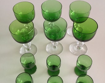 Luminarc Arcoroc Emerald Green Mid Century Green Glasses/Green Stemware /Mad Men Barware/Total of TWELVE By Gatormom13 JUST REDUCED