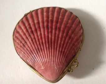 MAUVE SHELL Locket or Trinket Box -- Very Unusual, Really Well Made and Beautiful!