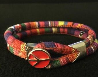 Boho bracelet with peace clasp
