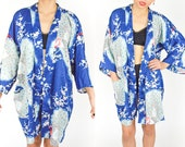 70's 80's Blue and Pink FLORAL PEACOCK KIMONO Short. Cropped Sleeves. 70's Boho Hippie Japanese Kawaii.