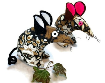 Candida Retro Mouse made in a  70s Heals Brown  Vintage Fabric