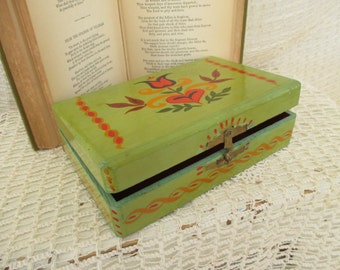 Vintage Lime Green Red Design Wooden Box - Eclectic Decor - Flower Heart Design - Small Wooden Box - Home Decor
