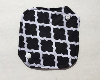 "All In One Cloth Panty Liner Cotton Fleece 6.5"" Black Quatrefoil"