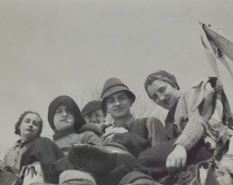 French 1930's Photo - Group of Young Men & Women on Col du Chioula