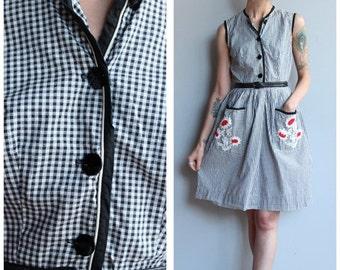 20% Sale 1950s Dress // Gingham Floral Day Dress // vintage 50s dress