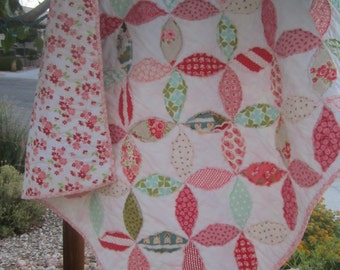 Petals.........A Girls Fray Edge Quilt.........Baby/Toddler........Ready to Ship....Free Shipping U.S. Only