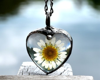Real Daisy Flower Necklace, 2016 Jewelry for Women, Summer Necklaces, Large Heart Pendant Necklace, Daisy Jewelry for Summer (2553)