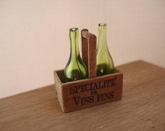 Miniature bottles holder with bottles