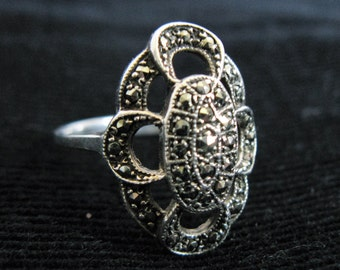 Vintage 1960s Ring Sterling Silver .925 Marcasite Victorian Revival Ring 7.5