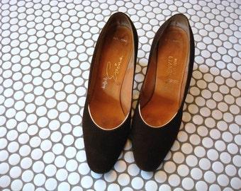 1960s Pumps - brown suede heels - mod vintage dress shoes
