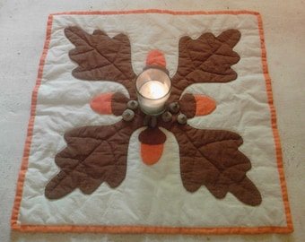 Autumn candle mat oak leaves and acorns, vintage quilt block, table top quilt, mug rug, quilted wall hanging, fall decor