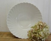 "Johnson Brothers 8"" Snowhite Regency Classic White Ironstone 8"" Serving Vegetable Bowl"