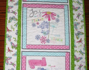 Spring Wall Hanging, Floral, Fanciful, pink, white, blue, fabric from Wilmington Prints