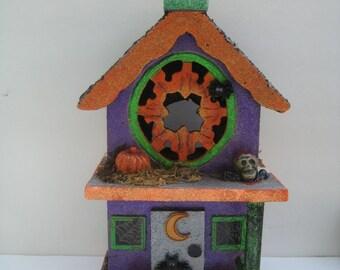 Haunted House//Halloween House// Halloween Decor