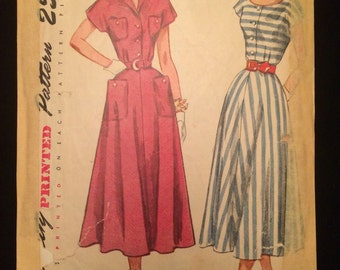 Vintage 1940's Women's Dress with Scoop Neck or V Neck Sewing Pattern Simplicity 2910 Bust 36