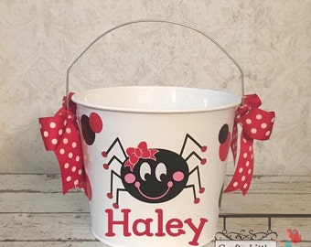 Personalized Metal Spider Trick or Treat Bucket, Halloween Bucket, Halloween Pail, Trick or treat, Halloween, Candy Bucket, Halloween bag